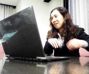 コンピュータと無縁だった販売員がインストラクタになったリアル~スタッフインタビュー前編~(廻込4)